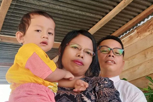 Pastor Damianus Sinaga and family - Photo: Twitter / SammiSoh