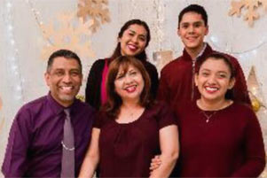 Pastor Canseco and his family - Photo: Facebook / AlfLic Cruz